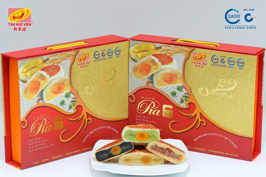 Món quà ý nghĩa từ hộp quà bánh pía 6 sao Tân Huê Viên